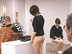 SEXY HALV NAKED JAPANESE GIRLS