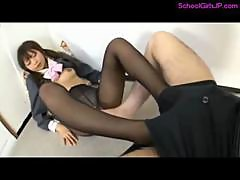 Schoolgirl In Pantyhose Giving Footjob For Guy Cum To Leg In The Room