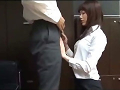 Office Lady Giving Blowjob Getting Her Ass Rubbed With Cock Cum To Skirt On The Floor In The Office
