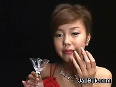 Cumdrinking Japanese geisha loves bukkake