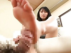Nana Kunimi's footjob technique