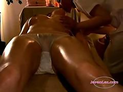 Asian Girl Oil On Body Kissing With The Masseuse Pussy Stimulated With Vibrator On The Massage Bed