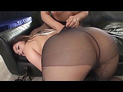 Tribbing in Pantyhose 01a