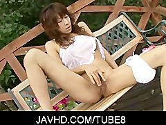 Asian doll Asuka Ishihara grabbed her toys and started rubbing her body